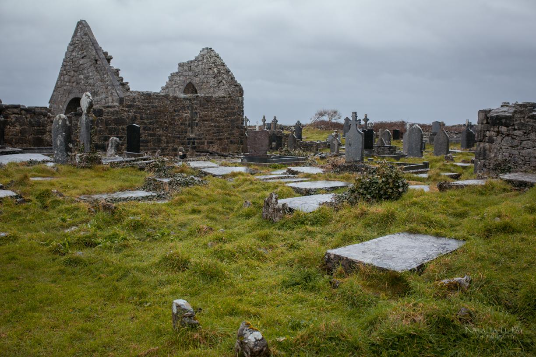 Alter Friedhof und Kirche auf Inis Mor